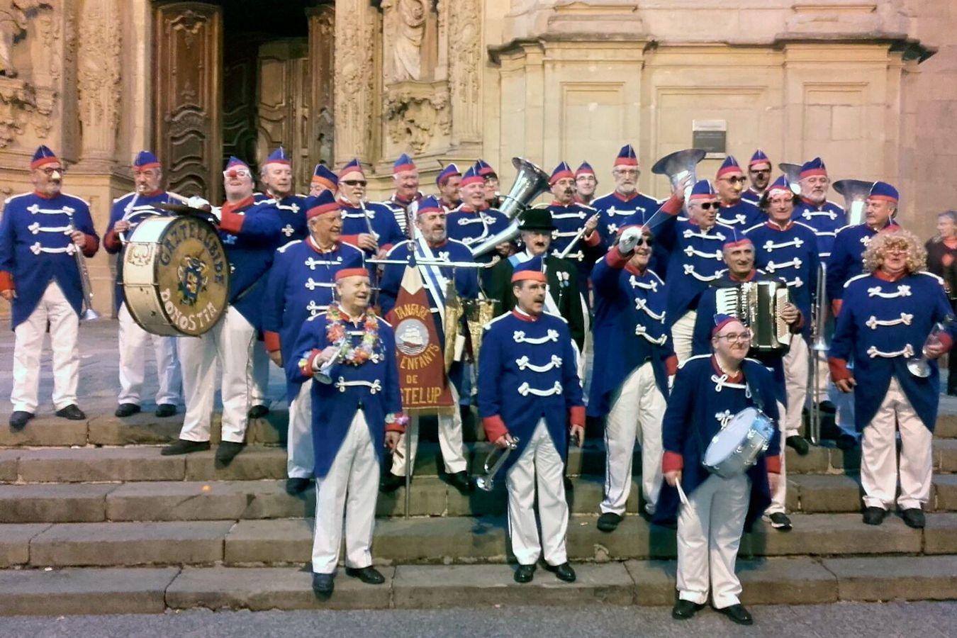 Actuación de la Fanfare de Gaztelubide